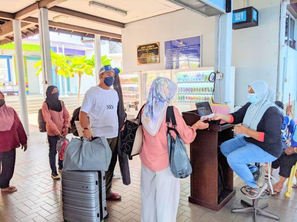 Pelancong ke Pangkor makin bertambah